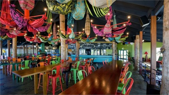 Speedy Design Makes for Beach Bar Brilliance