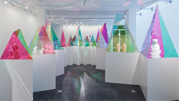 SO-IL Displays Meissen Porcelain in Coloured Prisms