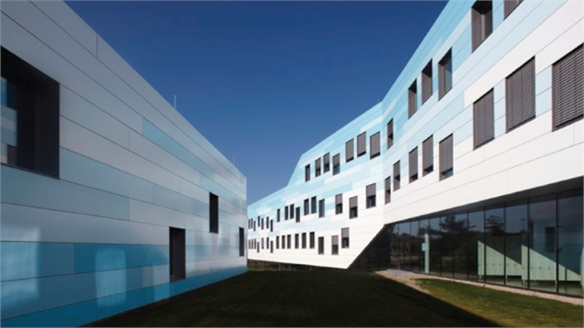 Borg + Nms Building by Franz Architekten