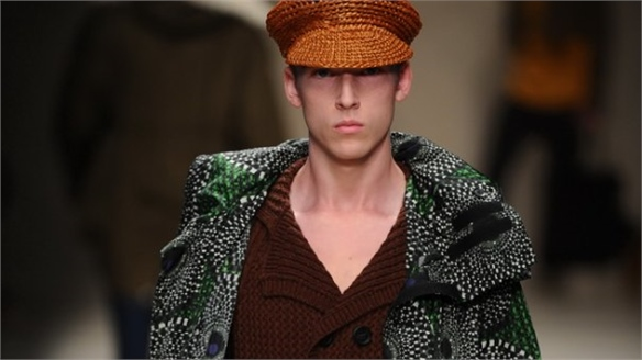 Batik Prints Give Colour to Classics at Burberry
