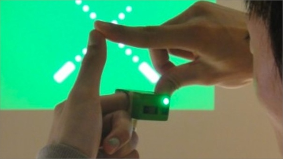Ubi-Camera: Take Photos With Your Hands