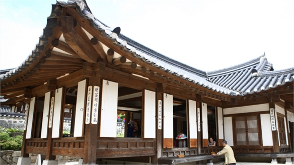 South Korean Hanok Stay