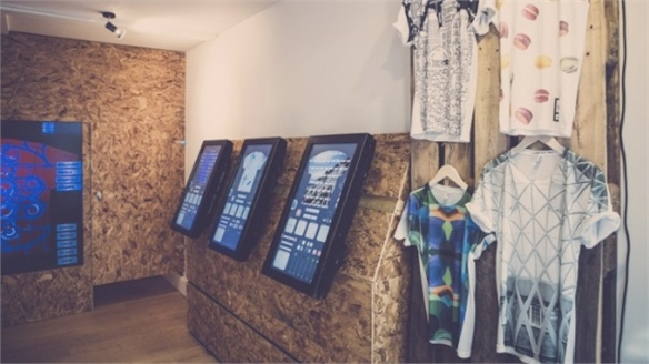 YrStore Pop-Up: Digital Customisation