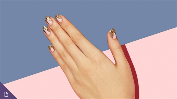 Nail Art: Colourful Currency
