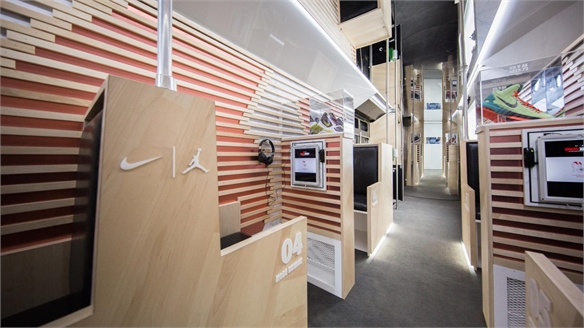 Nike's Sneakerhead Pop-Up Riffs on In-Flight Retailing
