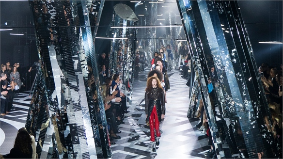 Louis Vuitton's High-Shine Showspace