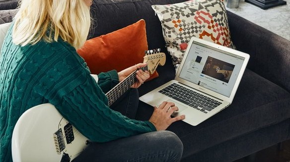 Fender Play: Bespoke Video Guitar Lessons