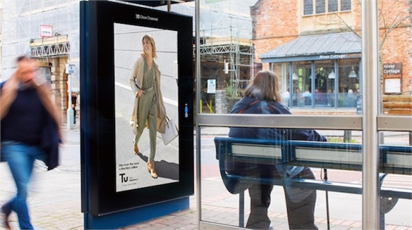 Reactive Retail: Sainsbury's Weather-Responsive Fashion Ads