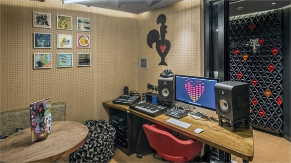 Nando's Opens In-Restaurant Recording Studio
