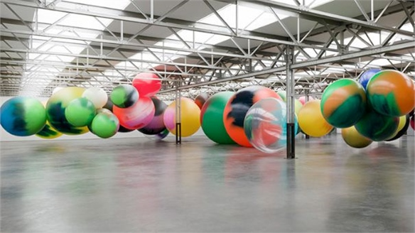 Katharina Grosse: Spray-painted Orbs