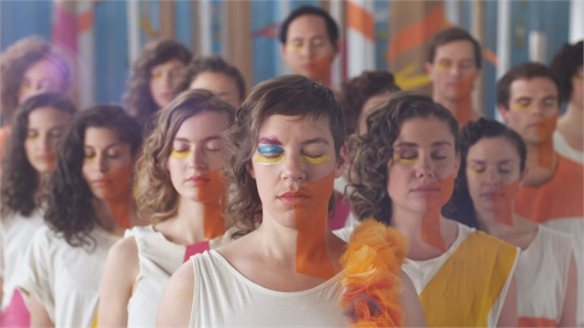 Mimi Cave and tUnE-yArDs Celebrate Dance and Colour