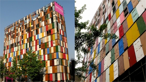 Recycled Doors Add Colour to Seoul