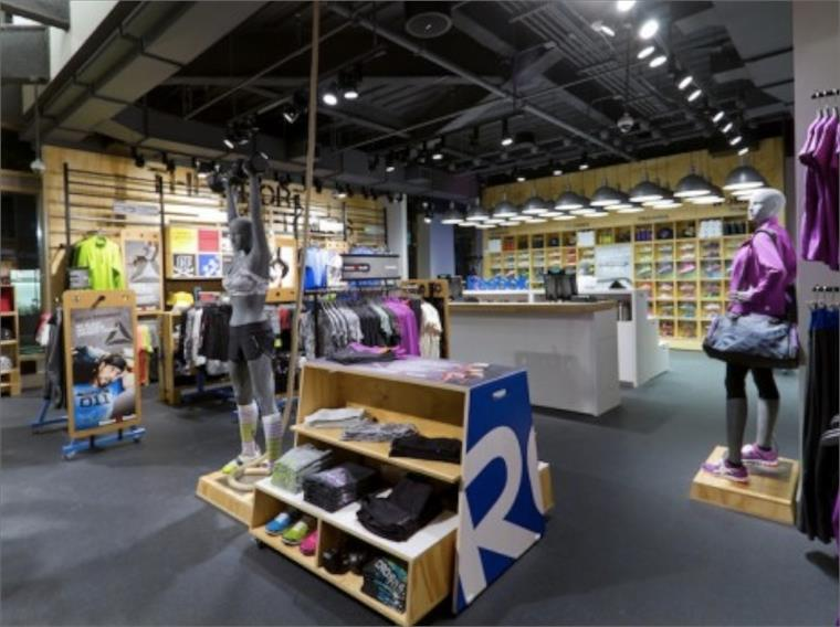 reebok fit hub store crossfit gym opens in new york city interior design shops nyc Reebok Launches New Concept Store, NY. Extra. Global sportswear brand Reebok  has joined forces with fitness company CrossFit to open the Reebok Fitness  Hub ...