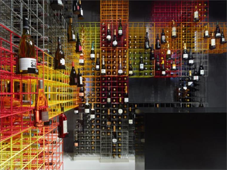 f5b4205fdc991 Creative Wine-Store Storage Concept