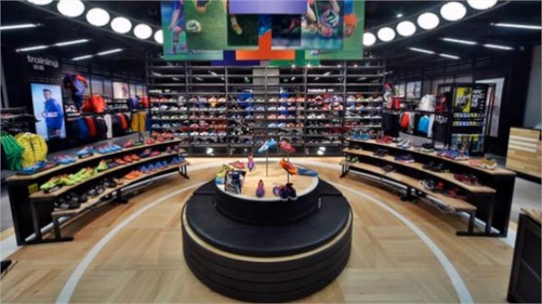 18ac7619ba4 Adidas' Immersive HomeCourt Store | Stylus