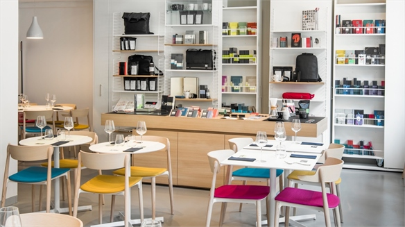 Moleskine's Café Littéraire Demonstrates Brand Stretch