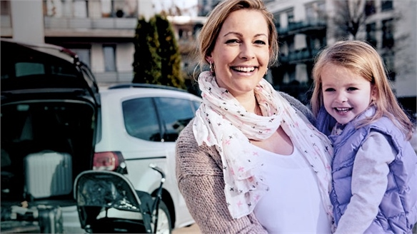 Croove: Car-Sharing Service from Mercedes-Benz