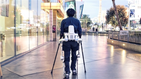 Hyundai Designs Low-Cost Wearable Robots
