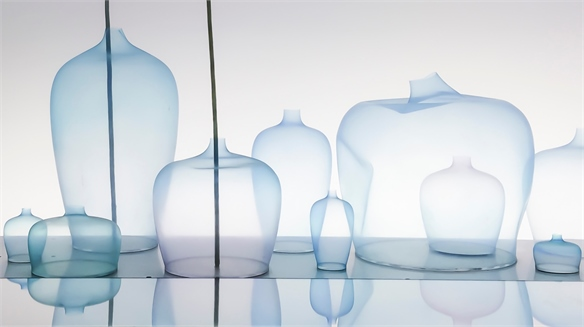 Aqueous Gradients: Nendo's Jellyfish Vase