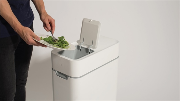 Eradicating Food Waste: Composting Kitchen Bin