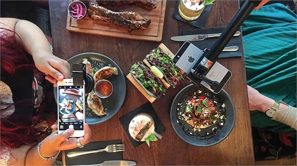 Restaurant Provides Instagram Kits
