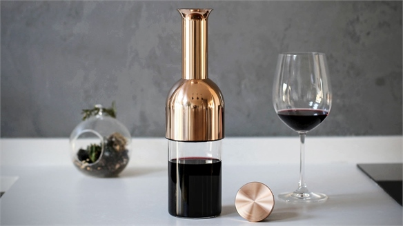 Wine-Preserving Decanter