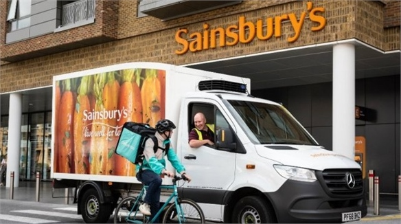 Sainsbury's Partners with Deliveroo for Pizza Delivery