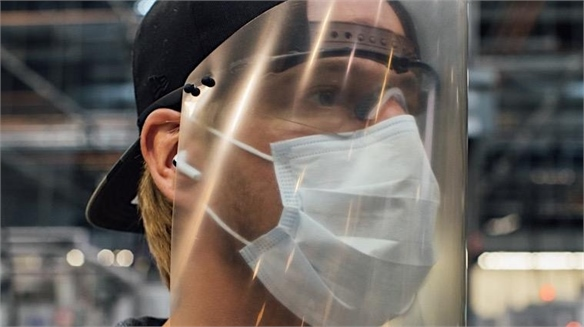 Oakley Produce Face Shields for Frontline Workers