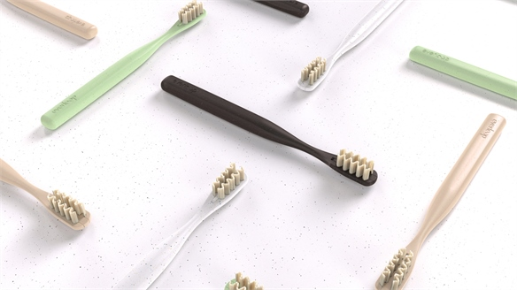 Long-Lasting Eco Toothbrush Boasts Changeable Bristles